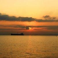 Восход солнца на Святой Земле. :: Александр Владимирович Никитенко