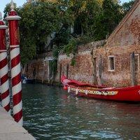 Канал в Венеции :: Олег