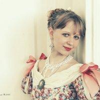 Портрет Девушки в Бальном платье :: Алексадр Мякшин