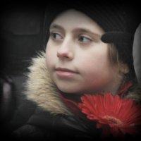 ..девочка с цветком... :: Влада Ветрова