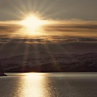 Луч солнца золотого.... :: Oleg Akulinushkin