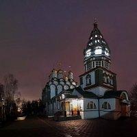 Церквушка рядом с домом :: Борис Соловьев