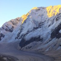 Утро над Безенгийским Ледником :: Михаил Баевский