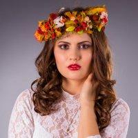 Девушка-рябинка :: Алексей Варфоломеев
