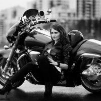 Девушка и мото :: Оксана Маркова