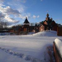 Тающая тропа к храму :: Валерий Чепкасов