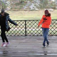 Молодость в стройных ногах... :: Виктория Гончарова