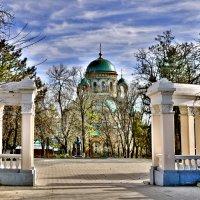 В городе моем уже не зима, но еще  не весна. :: Олег Барзолевский