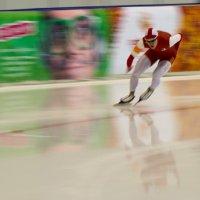 Впереди-крутой поворот, позади-обманчивый лед!!! :: Sergey Bright