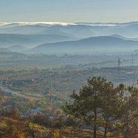 Утро над Балаклавской долиной :: Игорь Кузьмин