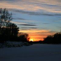 Люблю заката дивные свеченья... :: Евгений Юрков