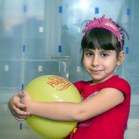 Девочка с шаром :: Павел Солопов