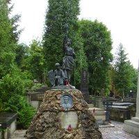 Могила   Владимира  Барвинского  в  Львове :: Андрей  Васильевич Коляскин