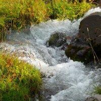 Горный ручей на склонах Эльбруса :: Vladimir 070549