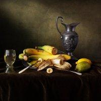 Натюрморт с бананами :: Татьяна Карачкова