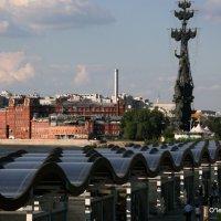 Бот Петра в Столице поплыл по крышам :: Олег Лукьянов