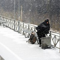 В ожидании поезда :: Алексей Белик