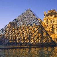Лувр Золотая пирамидка :: valerу vedygin