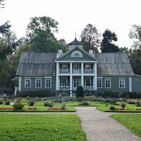 Дом Петра Абрамовича Ганнибала - двоюродного деда Пушкина, которого поэт назвал «старым арапом» :: Елена Павлова (Смолова)