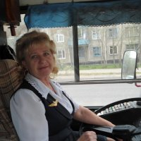 Счастливая водитель троллейбуса!!!!! :: Надежда