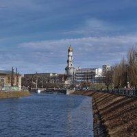 Весна в городе :: Татьяна Кретова