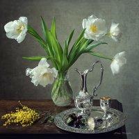 Из серии с белыми тюльпанами :: Ирина Приходько