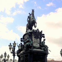 Памятник Царю Николаю I в Ст.-Петербурге. :: Елена