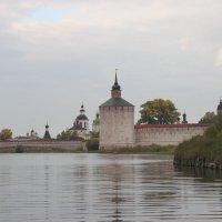 Древний монастырь. :: Анатолий Мартынюк