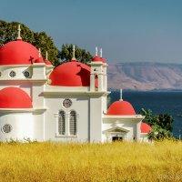 Греческая православная церковь на берегу озере Кинерет.Израиль :: Александр Григорьев