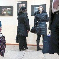 На выставке. :: Юрий Журавлев