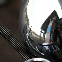 Автопортрет в  отражении  хрома и  деталей  мотоцикла...)) :: Валерия  Полещикова