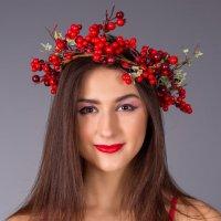 Девушка-клюквочка :: Алексей Варфоломеев