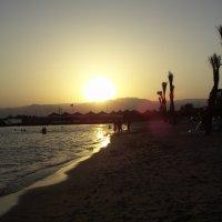 Закат на Красном море :: Виктор Елисеев