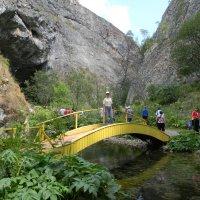 Дорога к Каповой пещере :: Вера Щукина