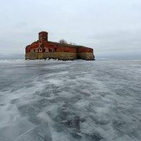 На льду залива :: Сергей Григорьев