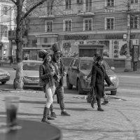 Прохожие :: Юрий Никульников