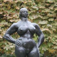Standing Woman 1932 год :: Таня Фиалка