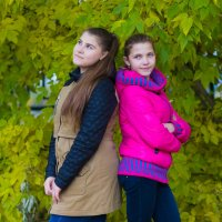 Юля и Катя :: Андрей Юзеев