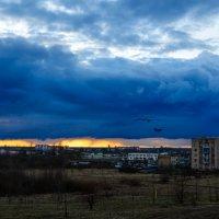 Тучи лиловые скрыли закат... :: Анатолий Клепешнёв