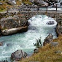 течет ручей, бежит ручей :: Elena Wymann