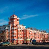 Дом со шпилем на пр. Мира. :: Сергей Щелкунов