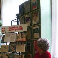 Дама в библиотеке. :: Ольга Кривых