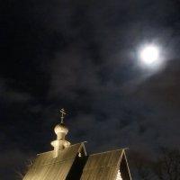 Полная луна в Суздале :: Александра