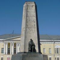 Монумент в ознаменование 850-летия города Владимира :: Galina Leskova