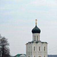 Храм на островке :: Николай Варламов