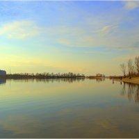 Тонкая грань между городом и природой.... :: Svetlana Kravchenko