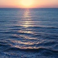 Солнца восходы над морем искрятся :: Swetlana V