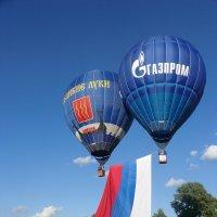 Великие Луки - аэростаты - небо - ... полетелииииииииии... :: Владимир Павлов