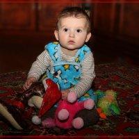 Илюшка & игрушки. :: Anatol Livtsov