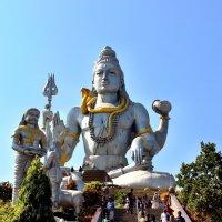 Храм Шивы.Индия :: Наталья Маркелова